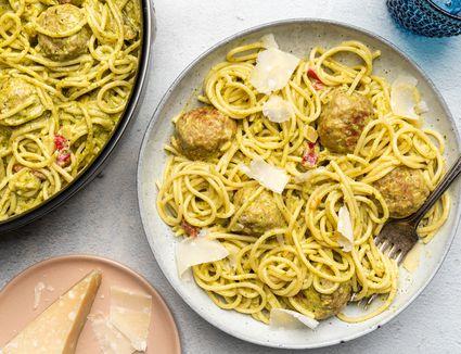 Pesto Meatballs With Spaghetti