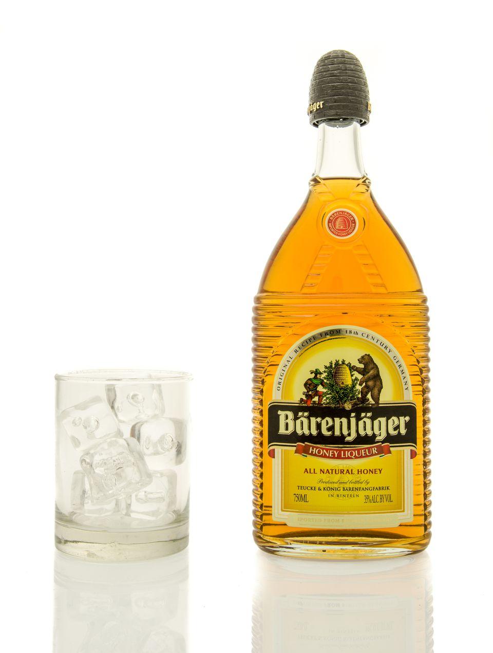 bottle barenjager honey liqueur