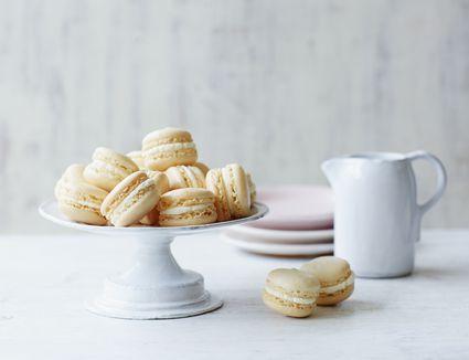 Almond macarons