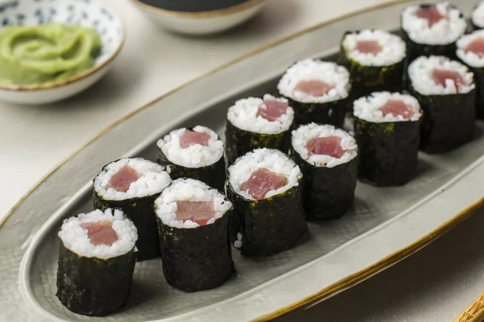 Tekkamaki tuna sushi rolls