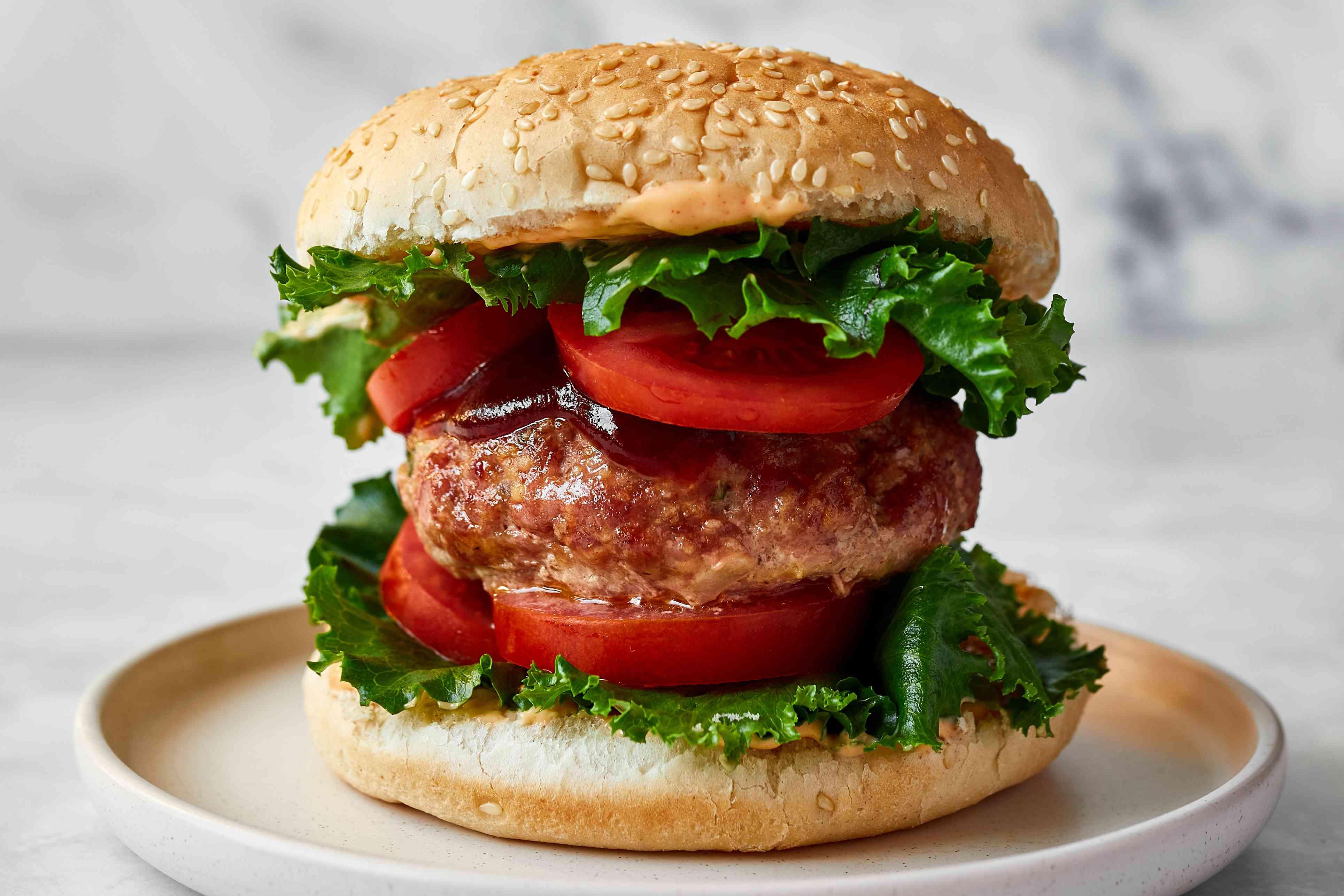 Juicy Baked Turkey Burgers With Garlic recipe