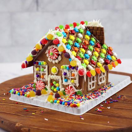 Hasbro Candyland Gingerbread House Kit
