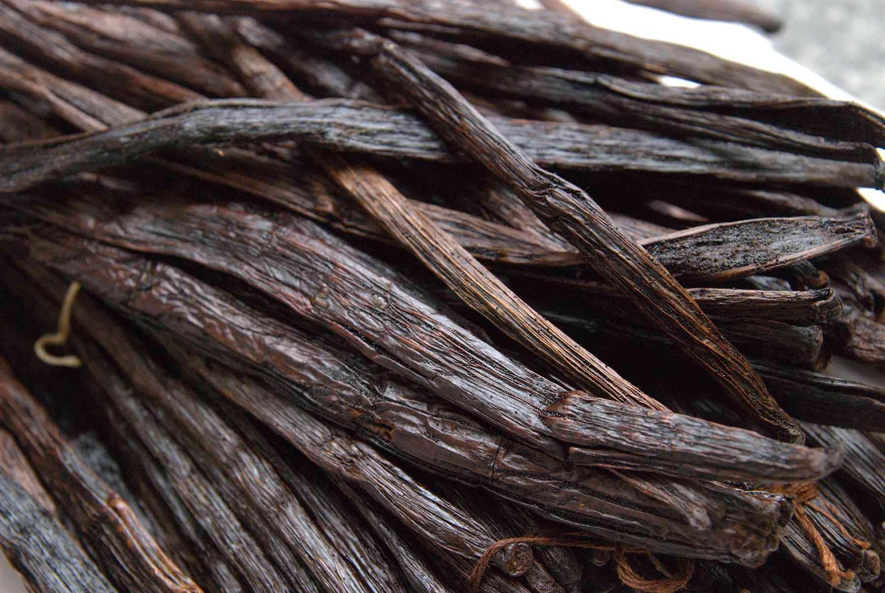 vanillabeans many vanilla beans - viele Vanielleschoten