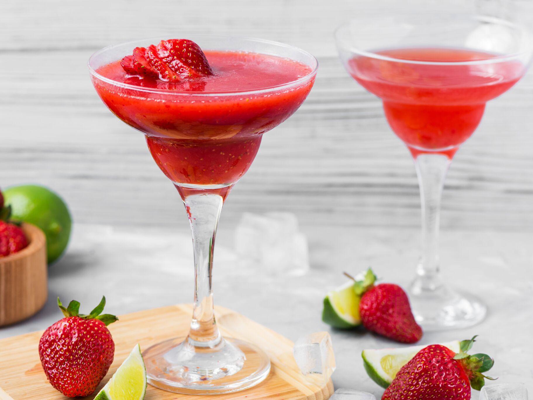 Frozen And Shaken Strawberry Daiquiri Recipes