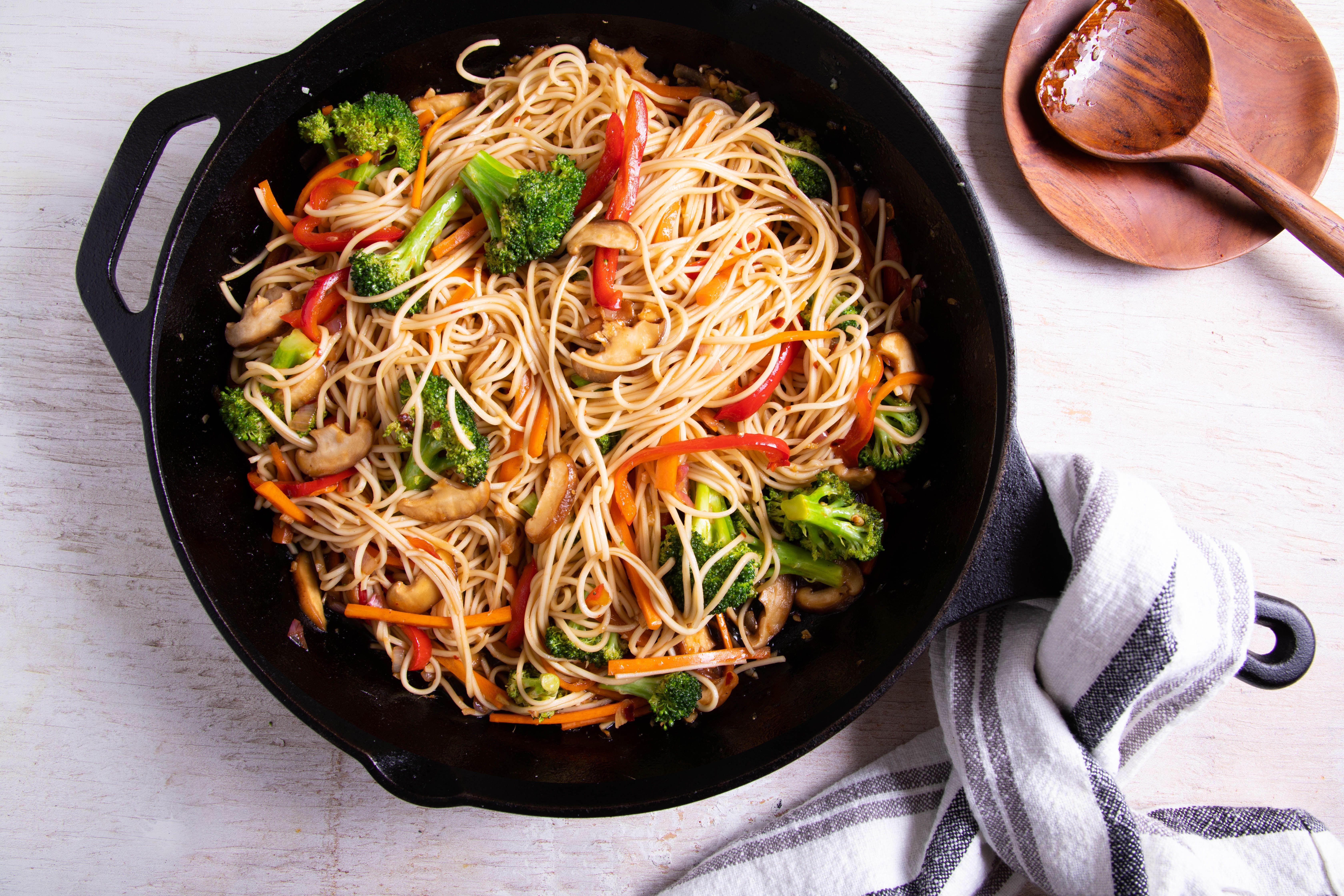 Ricetta Noodles Wok.Thai Stir Fried Noodles Recipe With Vegetables