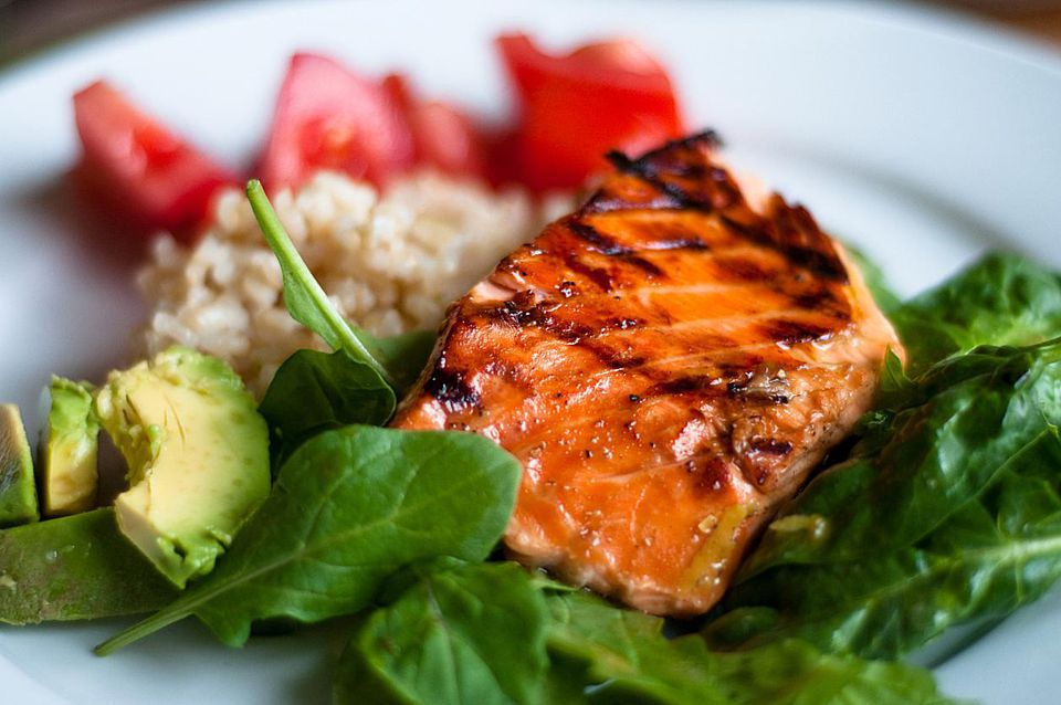 Use Garlic, Ginger, and Basil for Flavorful Salmon