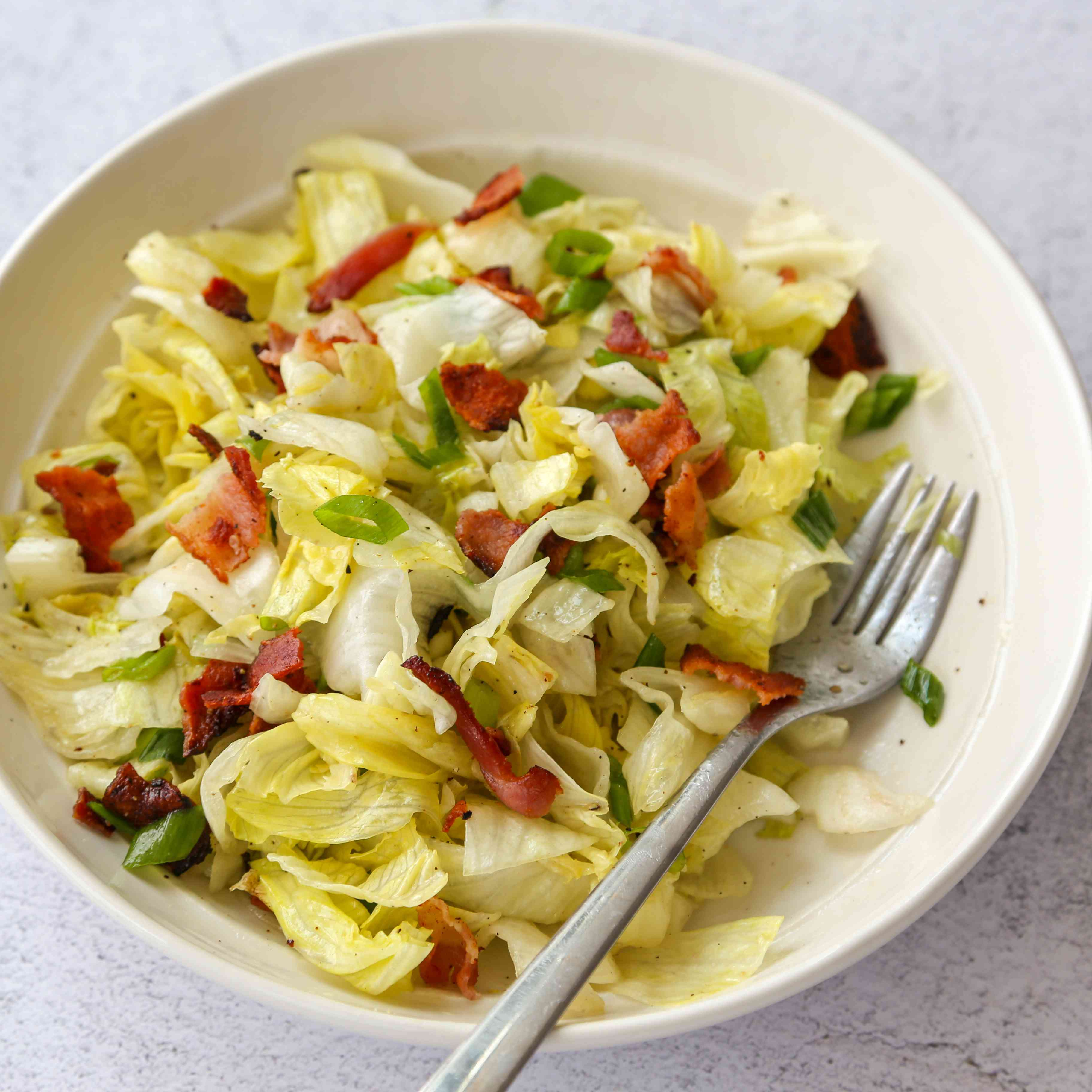 Southern Wilted Lettuce Salad With Hot Bacon Dressing