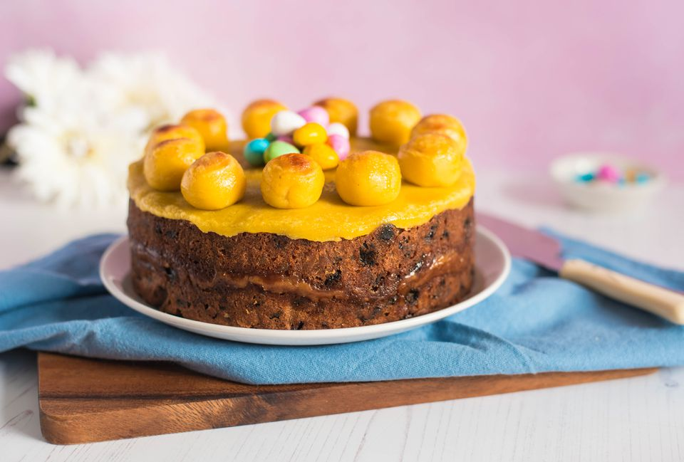 Simple simnel cake