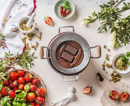chocolate-melting-pot