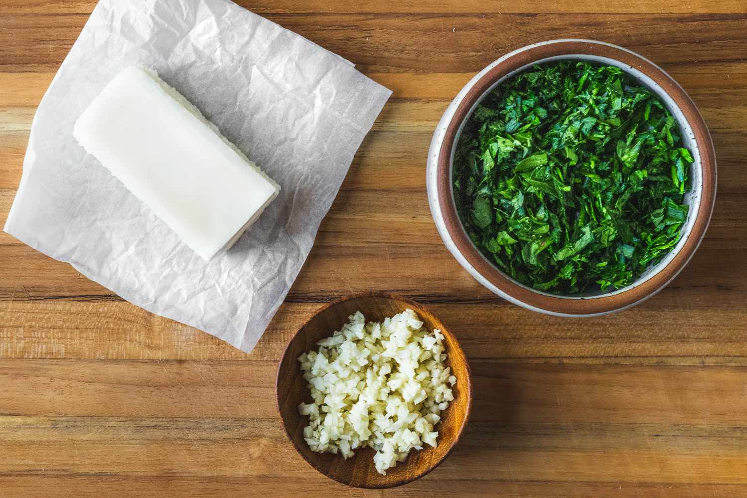 Ingredients for simple garlic butter