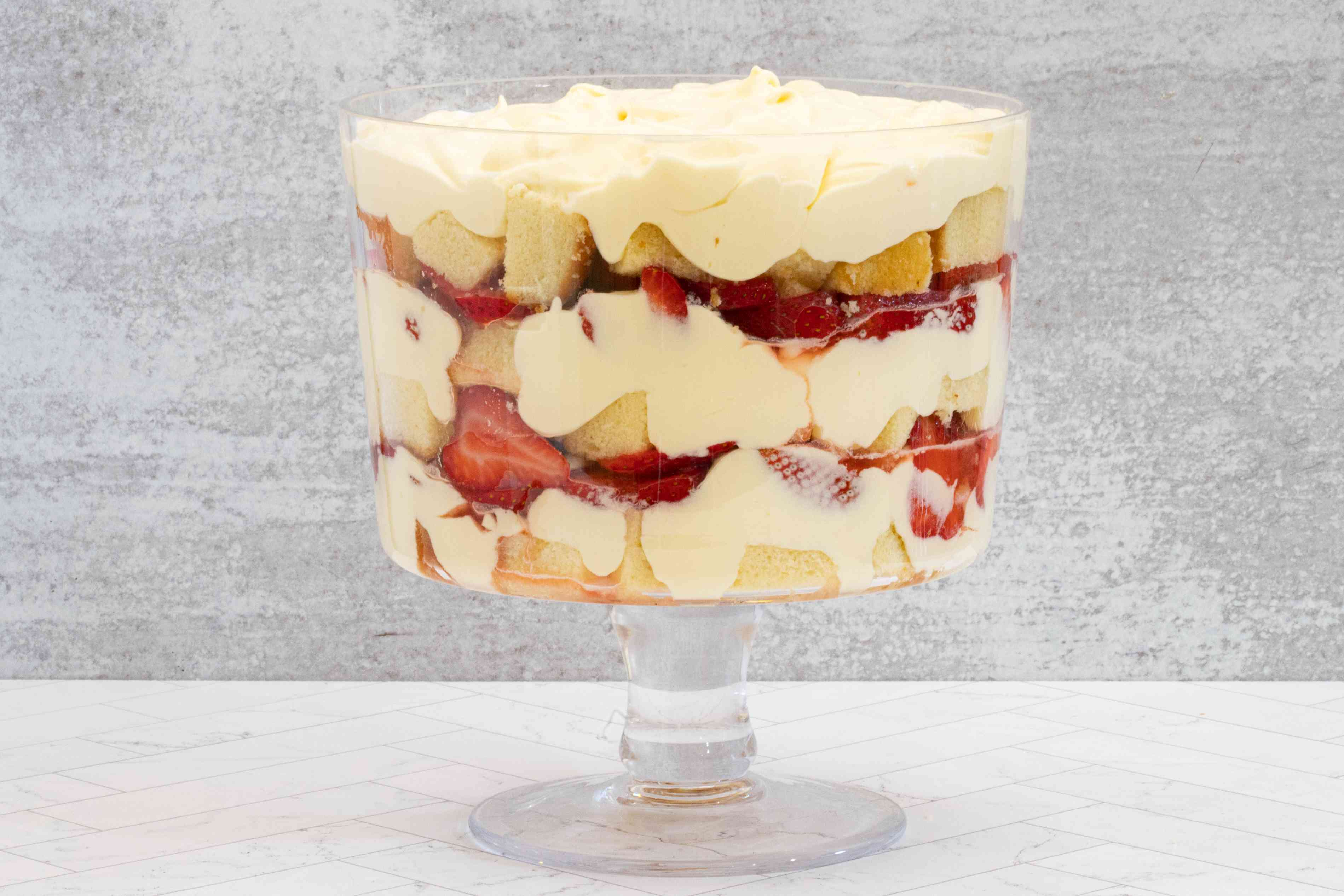 easiest layered strawberry trifle with pound cake