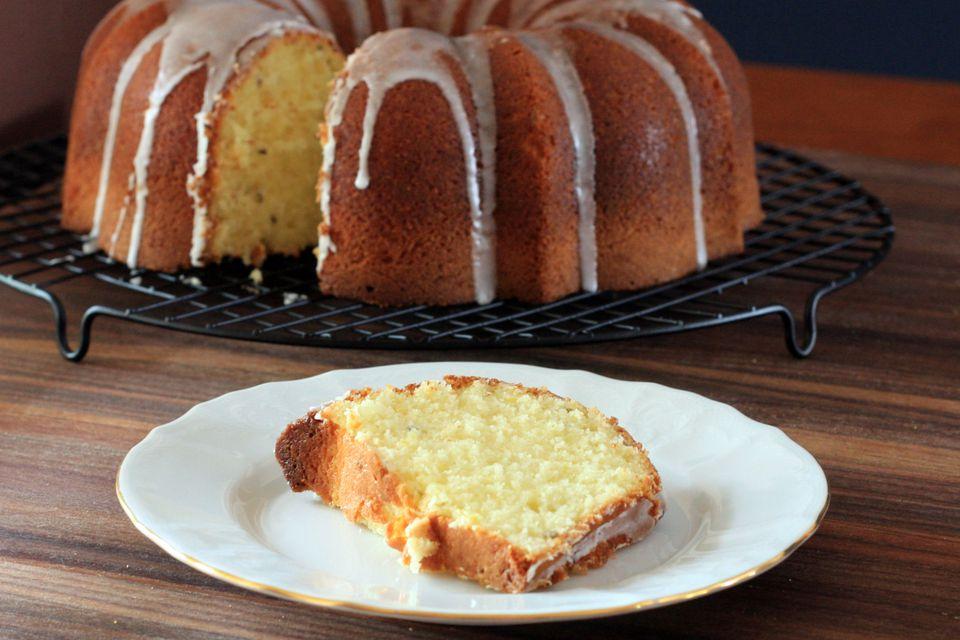 25 Bundt Cake And Tube Cake Recipes