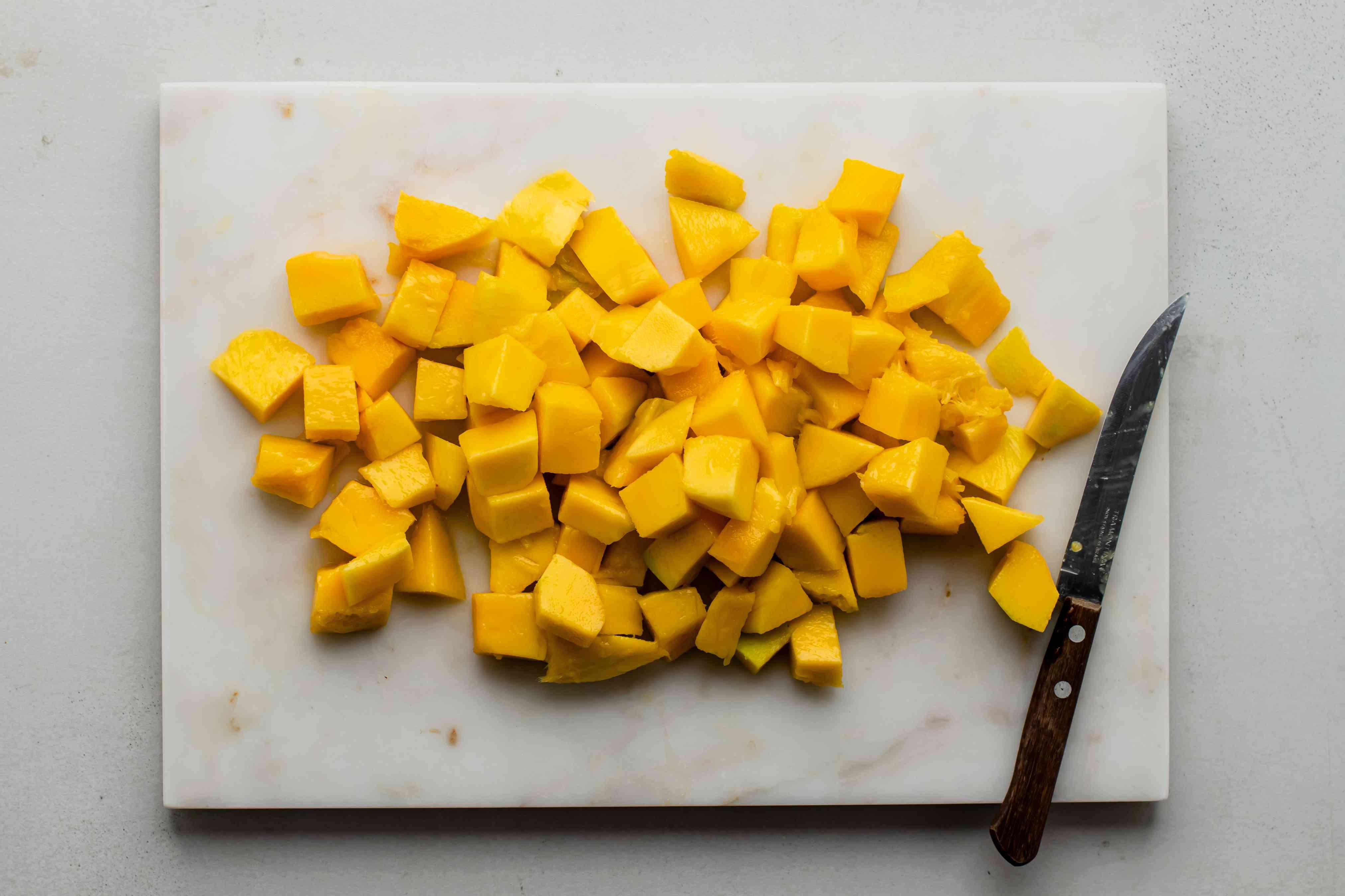 Slice up mango