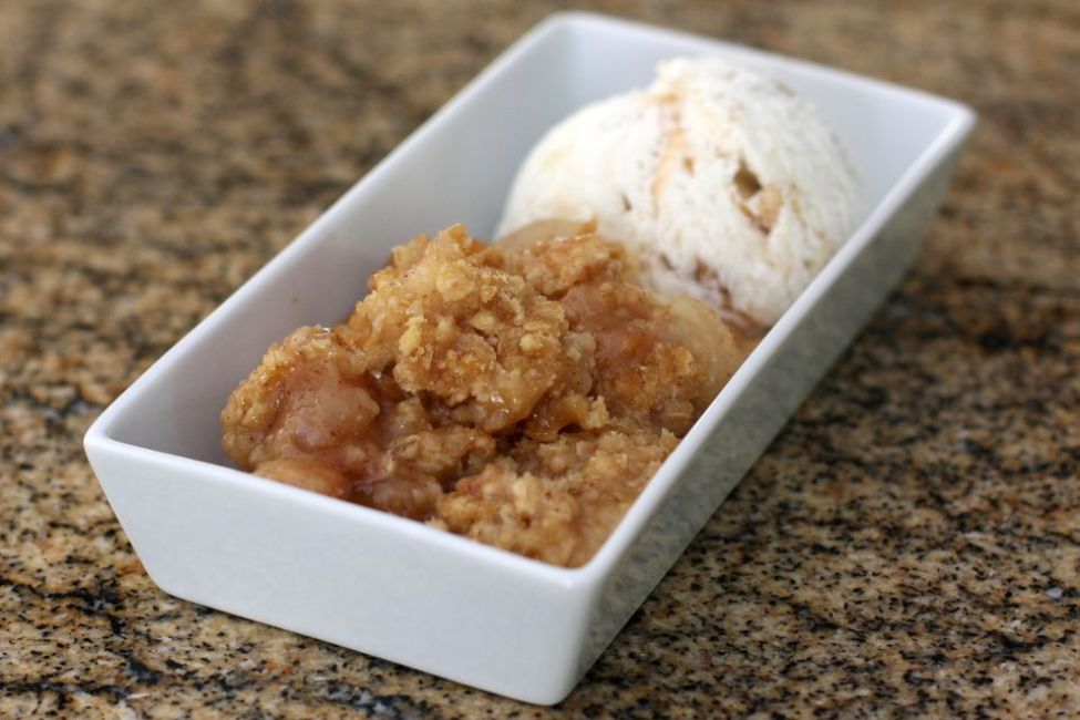 Pear Crisp With Oatmeal Topping