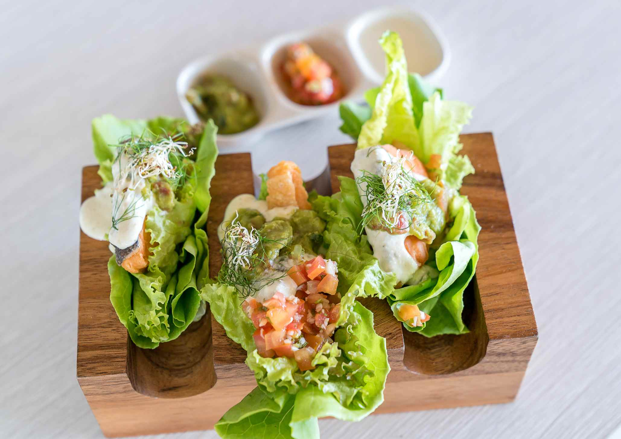 Salmon tacos using lettuce