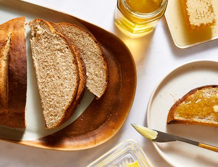 Horiatiko Psomi (Crusty Country Bread)