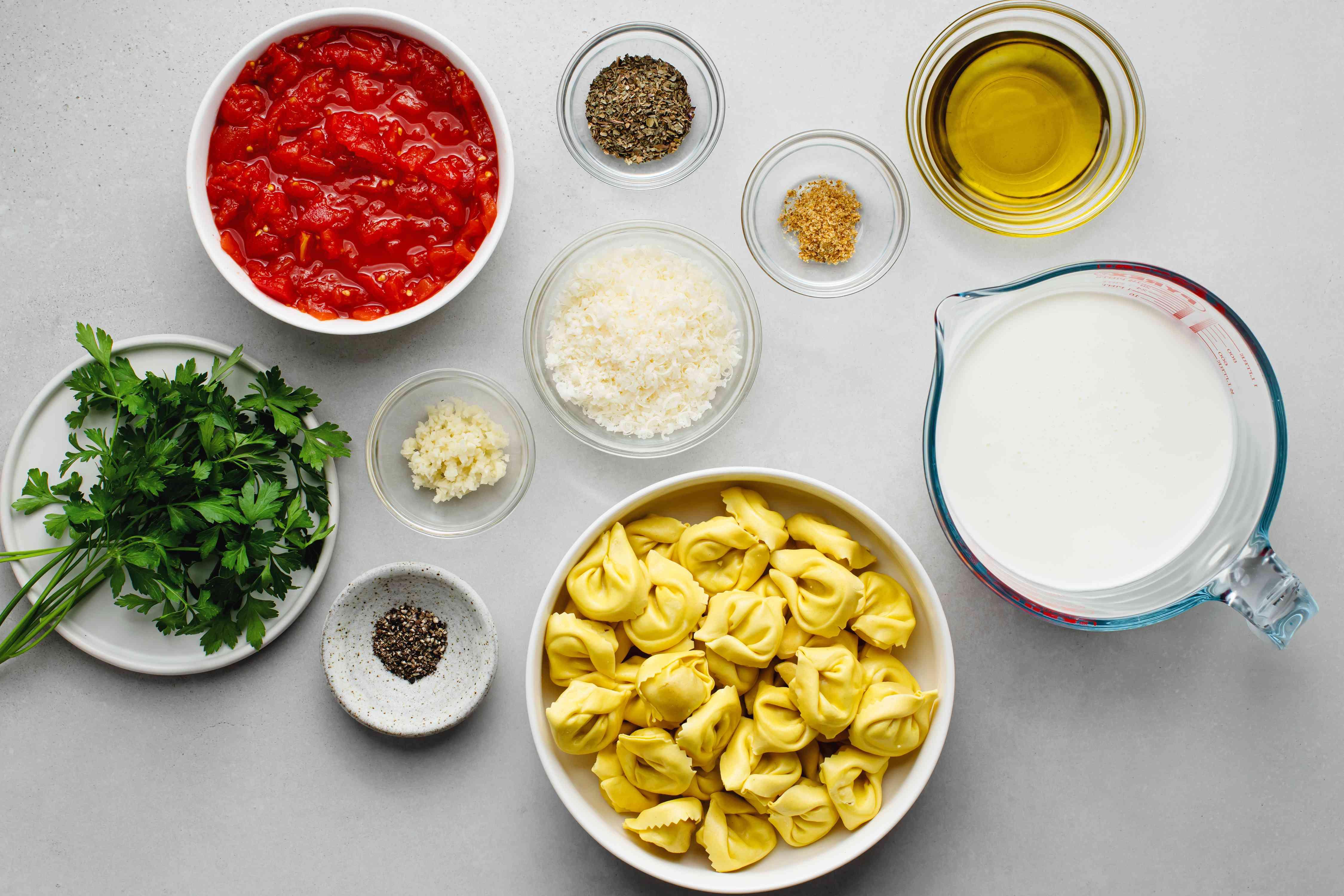 Tortellini With Tomato Basil Cream Sauce ingredients
