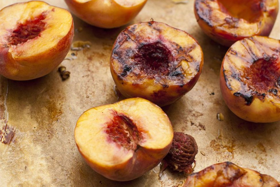 Grilled Peaches with Brown Sugar