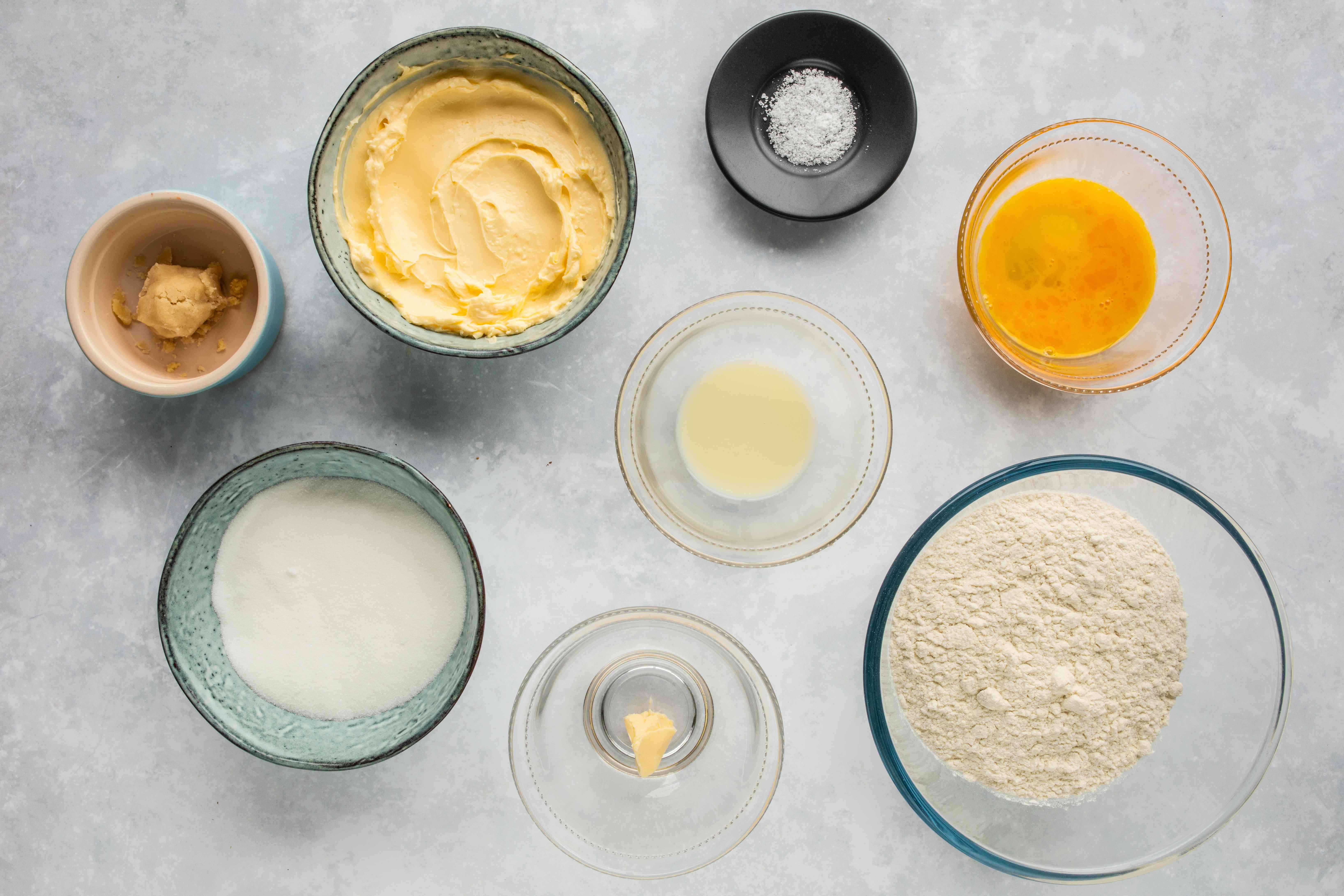 Dutch stroopwafels dough ingredients