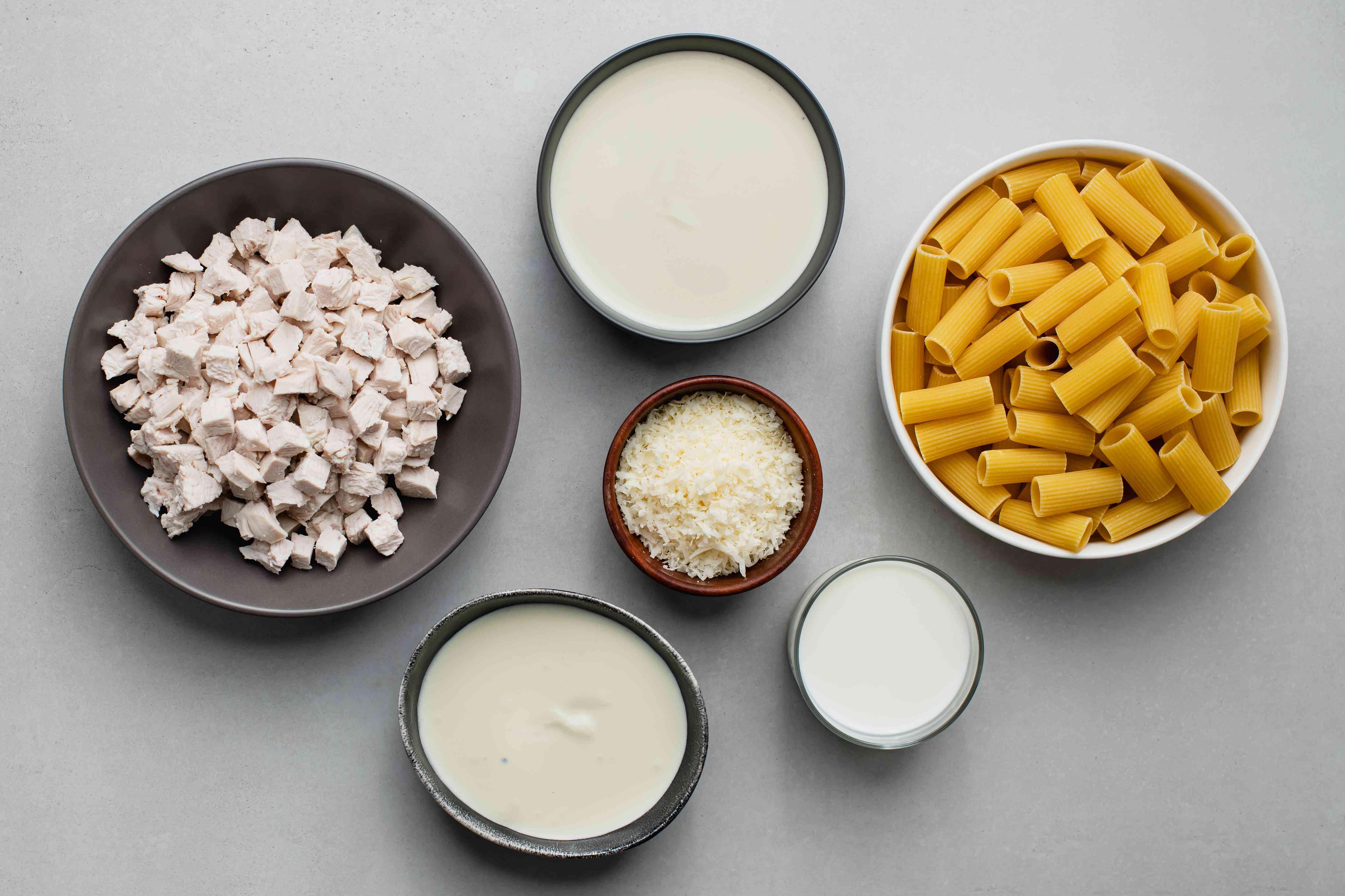 Chicken Alfredo Casserole ingredients