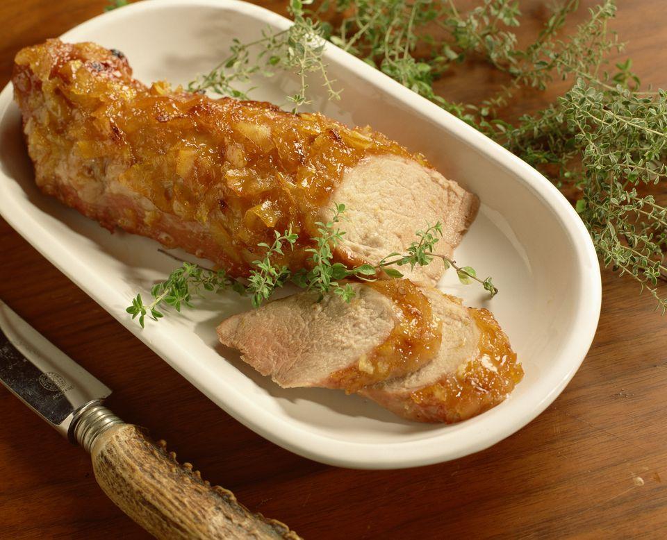 Medallones de lomo de cerdo con salsa de mermelada picante