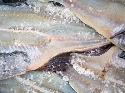 How to Remove the Salt From Salted Fish