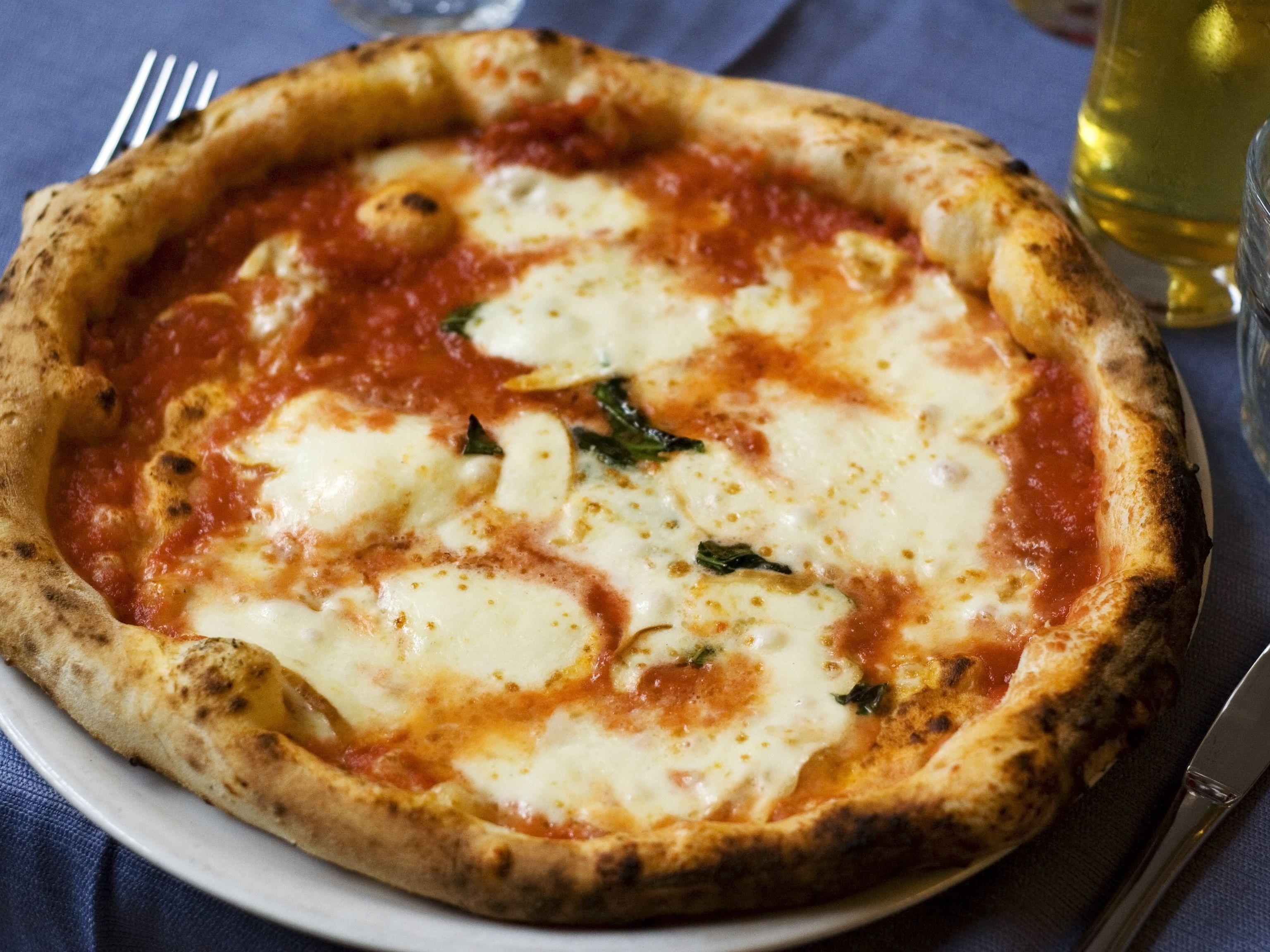 [Image: authentic-neapolitan-margherita-pizza-15...cb5a8a.jpg]