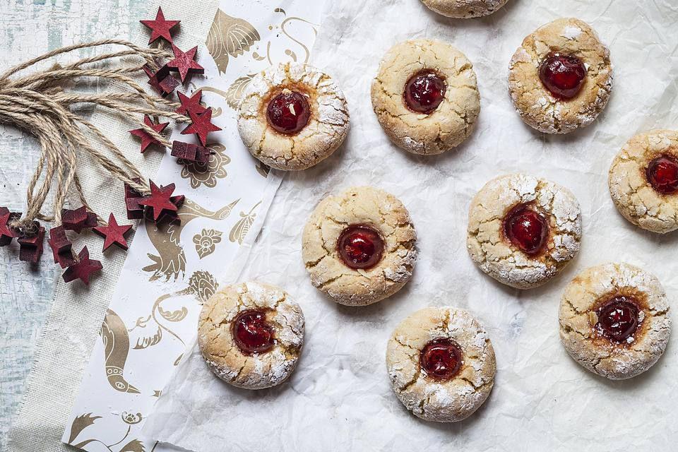 thumbprint cookies - Easy Christmas Cookies For Kids