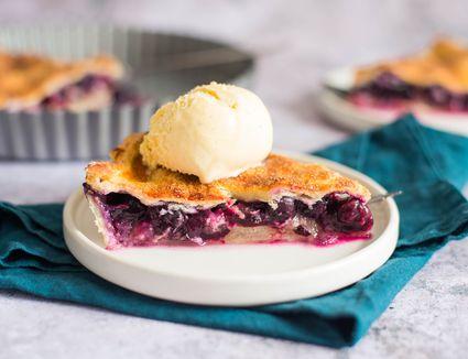 Classic double crust blueberry pie recipe