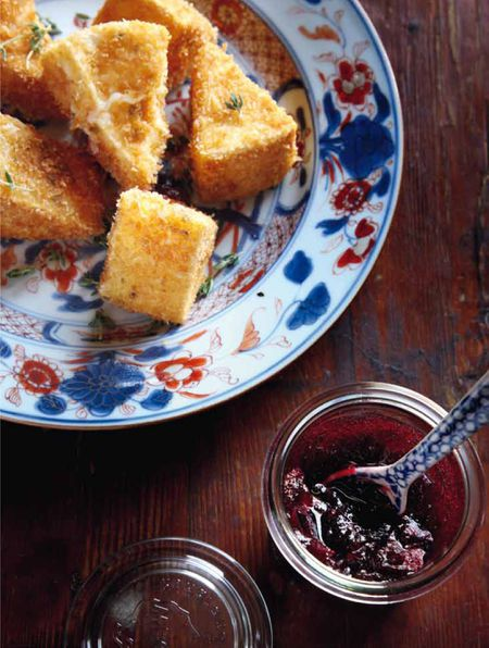 Recipe for Fried Camembert With Cranberry Sauce