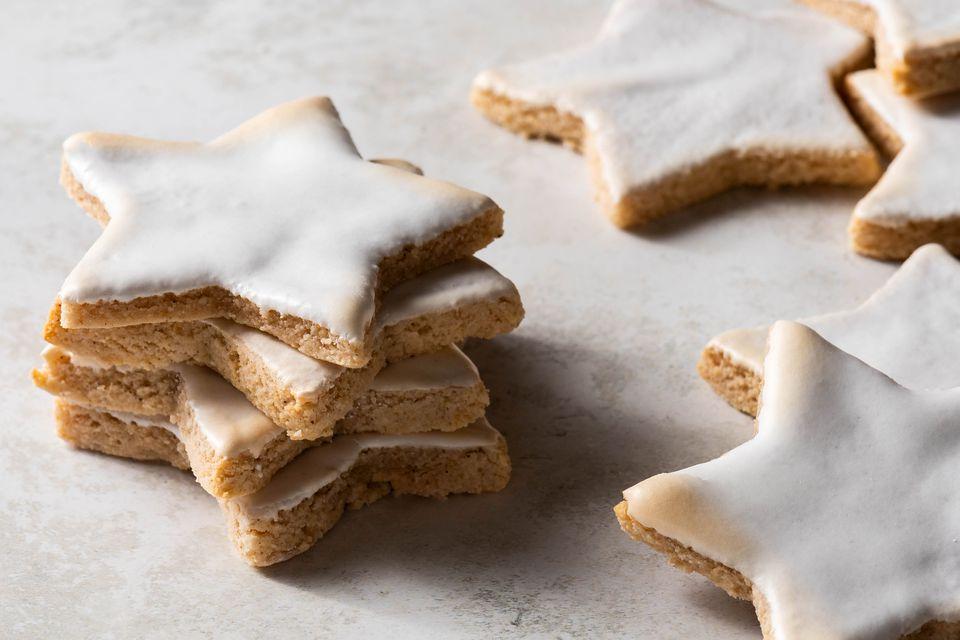 German Cinnamon Star Christmas Cookies (Zimtsterne)