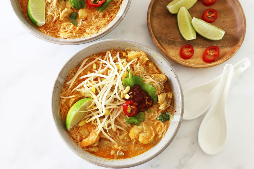 laksa with shrimp and chicken