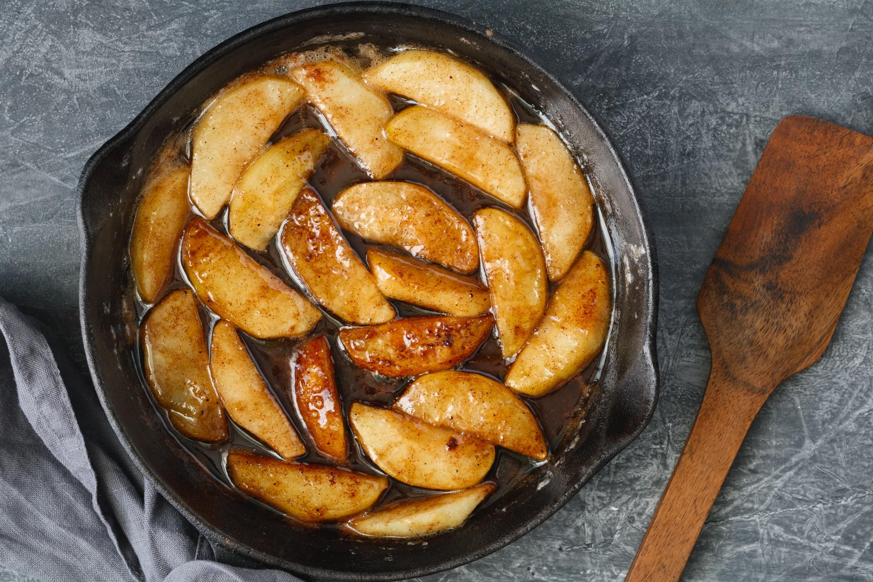 Browned apples in syrup