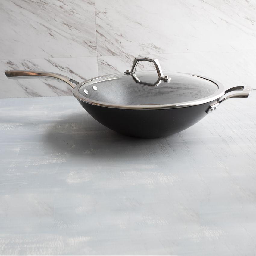 calphalon-elite-nonstick-wok-hero