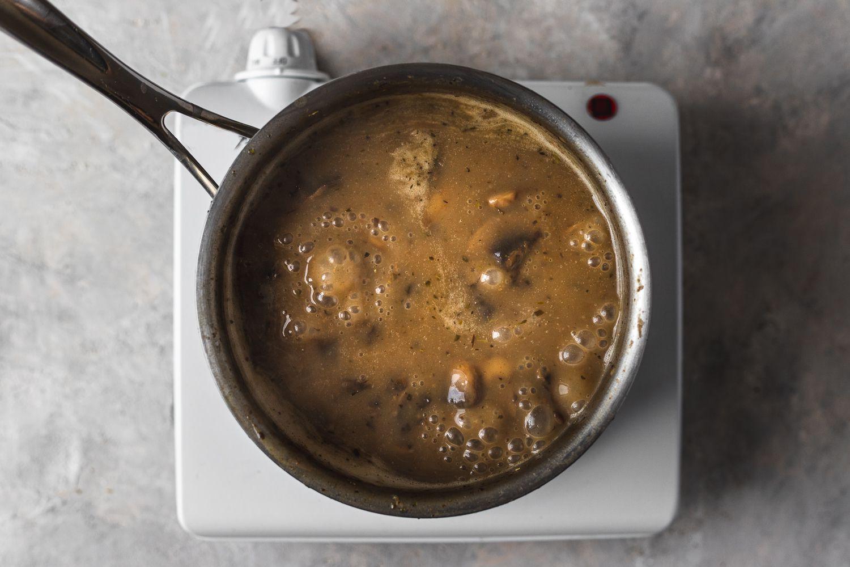 simmer the mushroom gravy in the saucepan