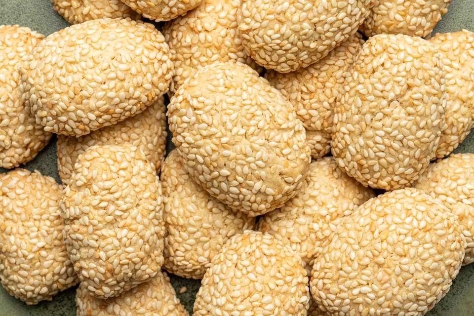 Toasted Sesame Seed Cookies