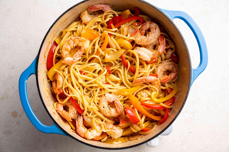 One-Pot Pasta: Shrimp Fajita Linguine in a pot