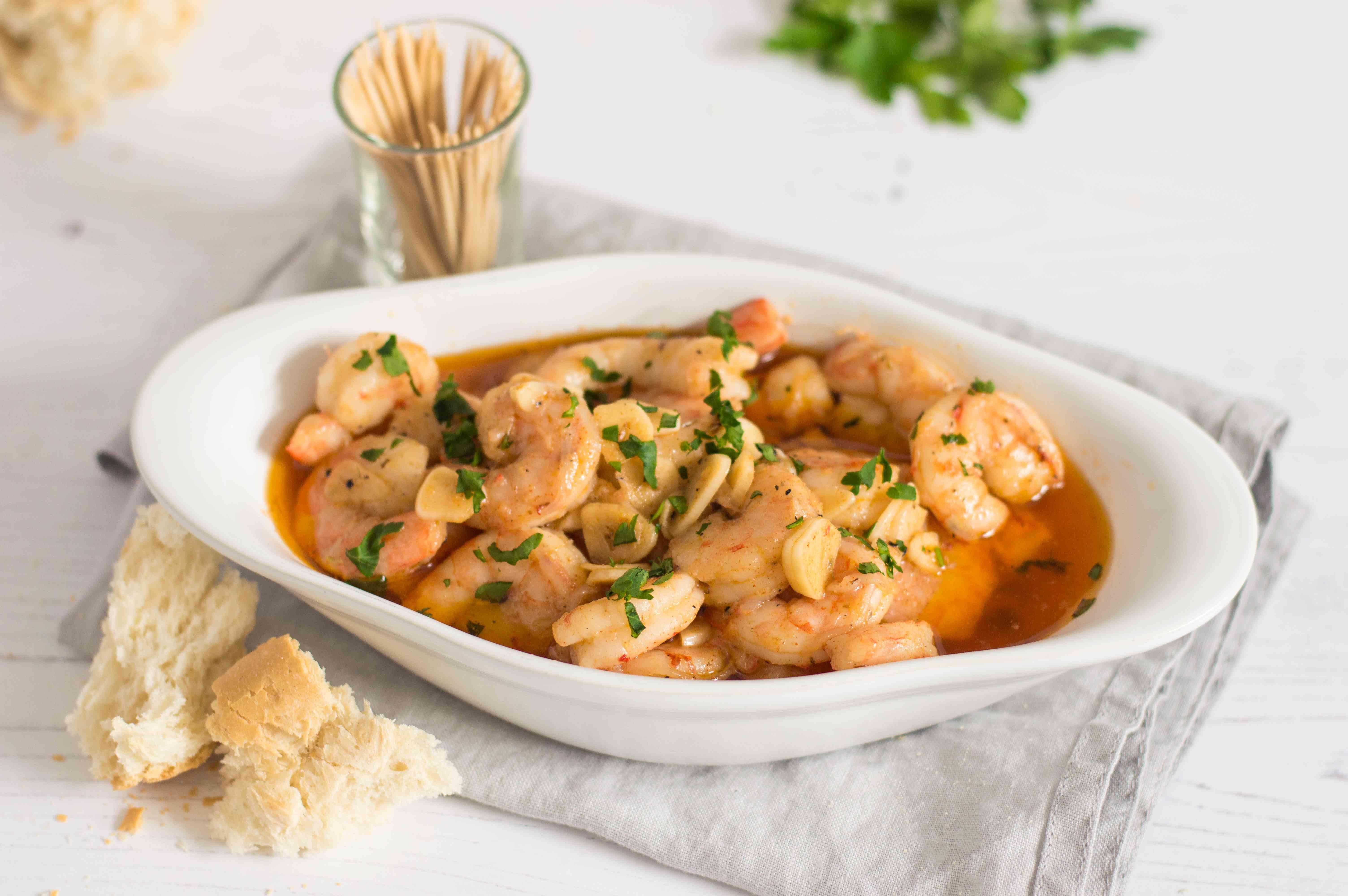 Slow cooker garlic shrimp