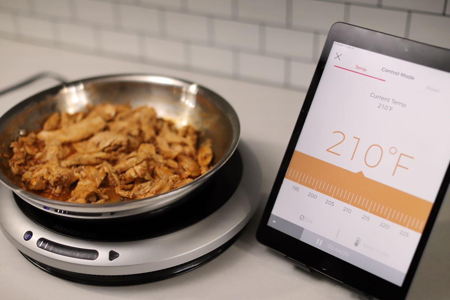 hestan-cue-smart-cooking-system-using