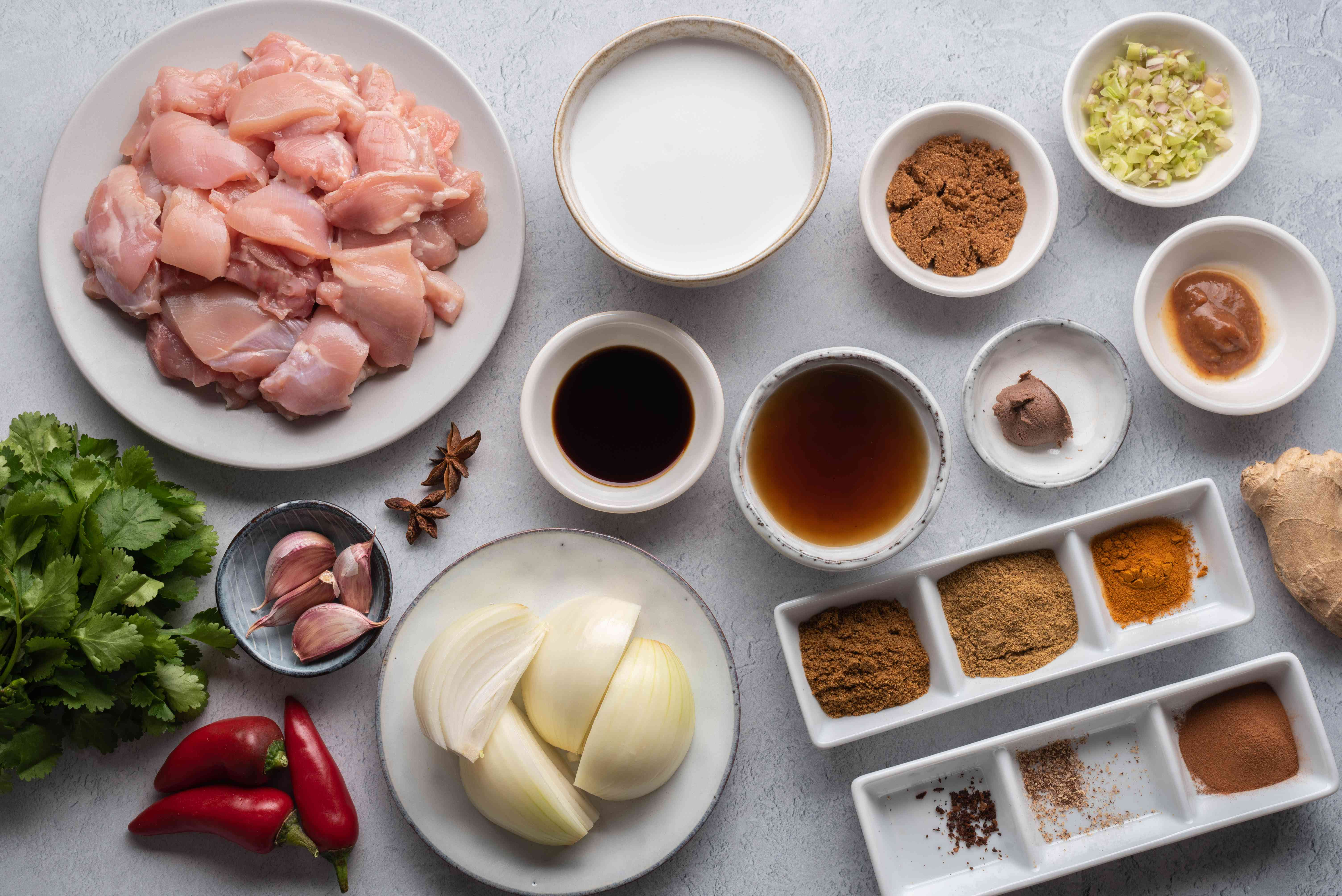 Ingredients to make Rendang chicken curry