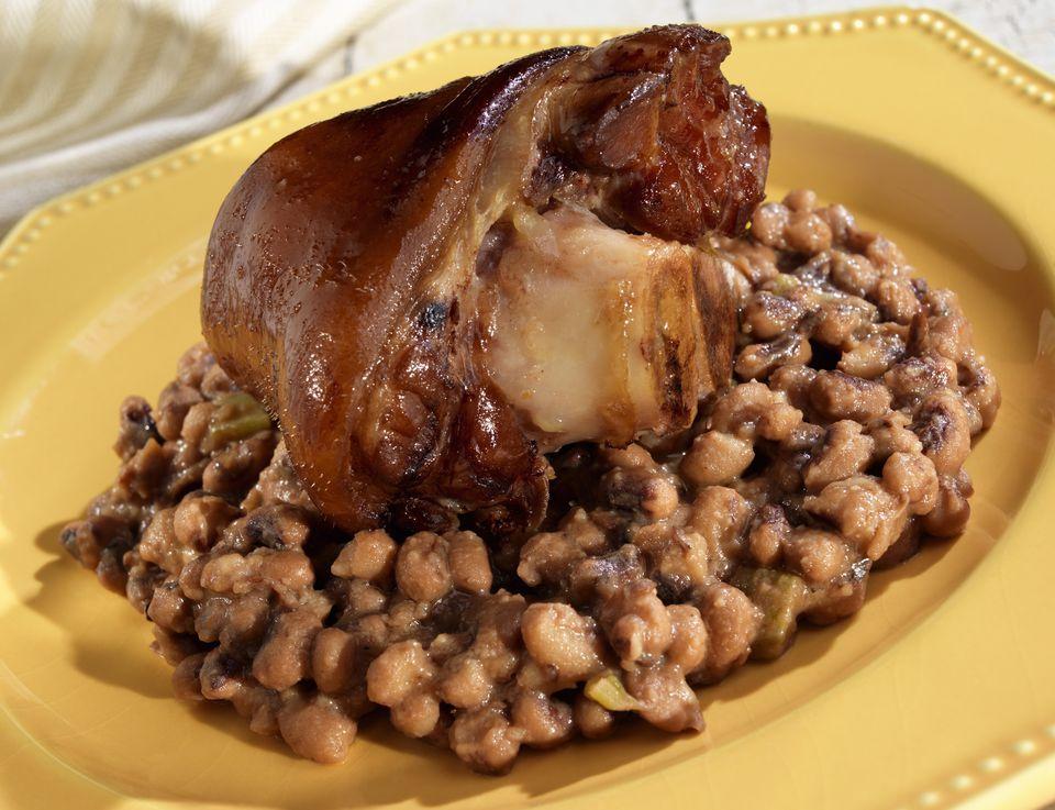 Black eyed peas with ham hocks