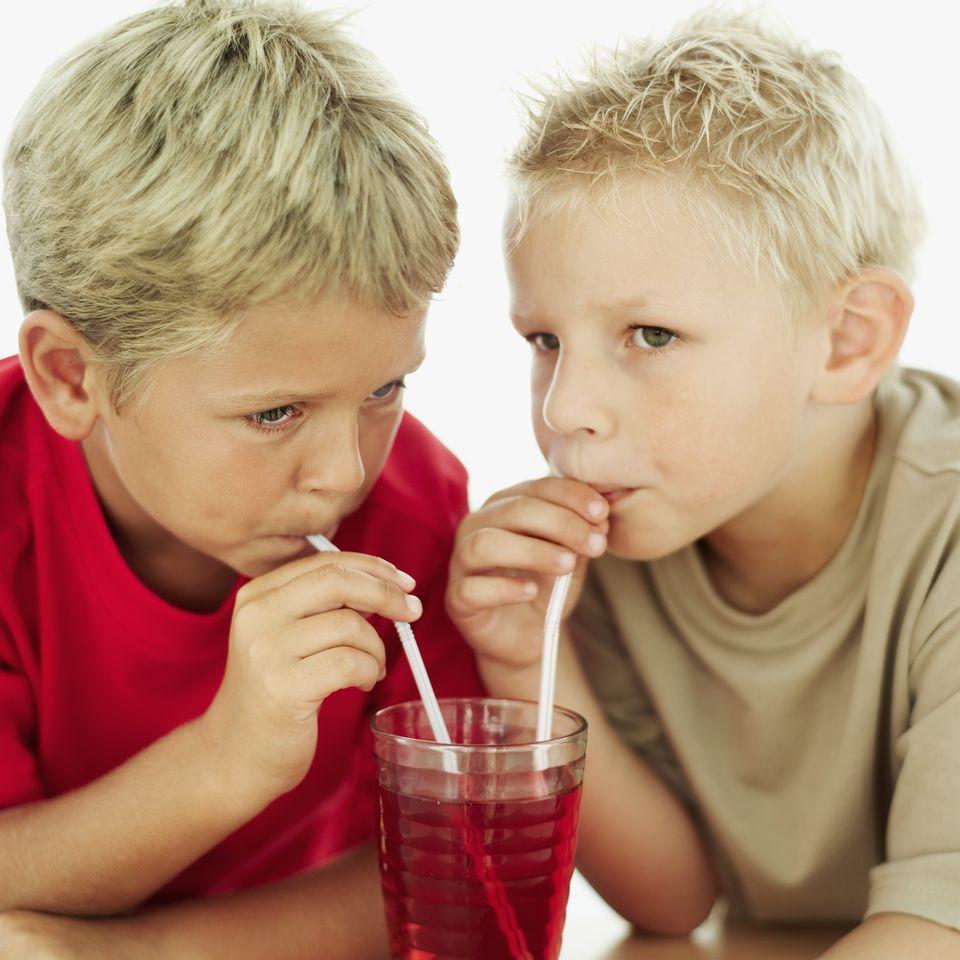 Boys drinking sugar-free Hawaiian Punch Singles To Go