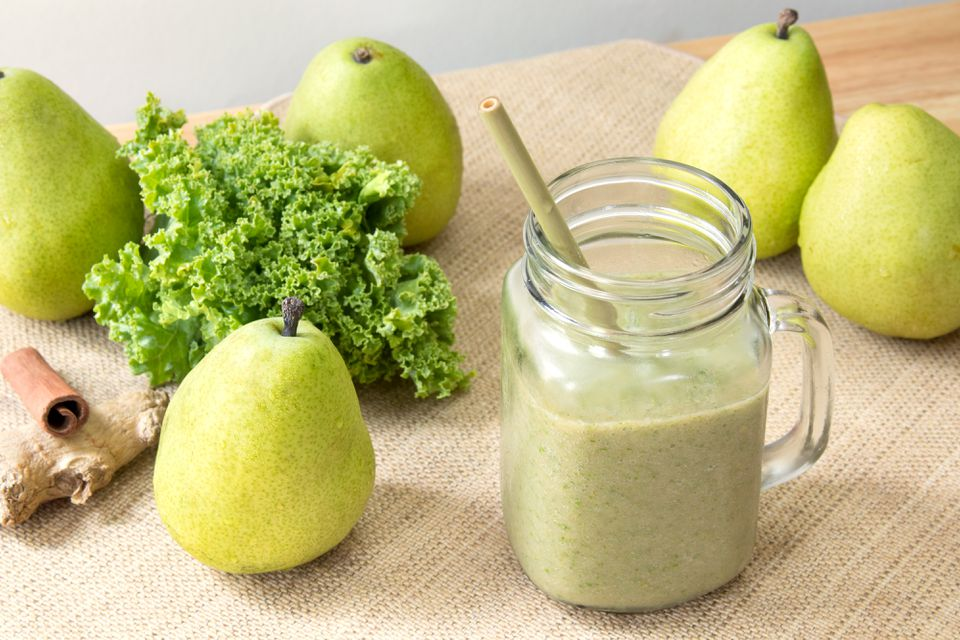 Green Pear and Kale Smoothie
