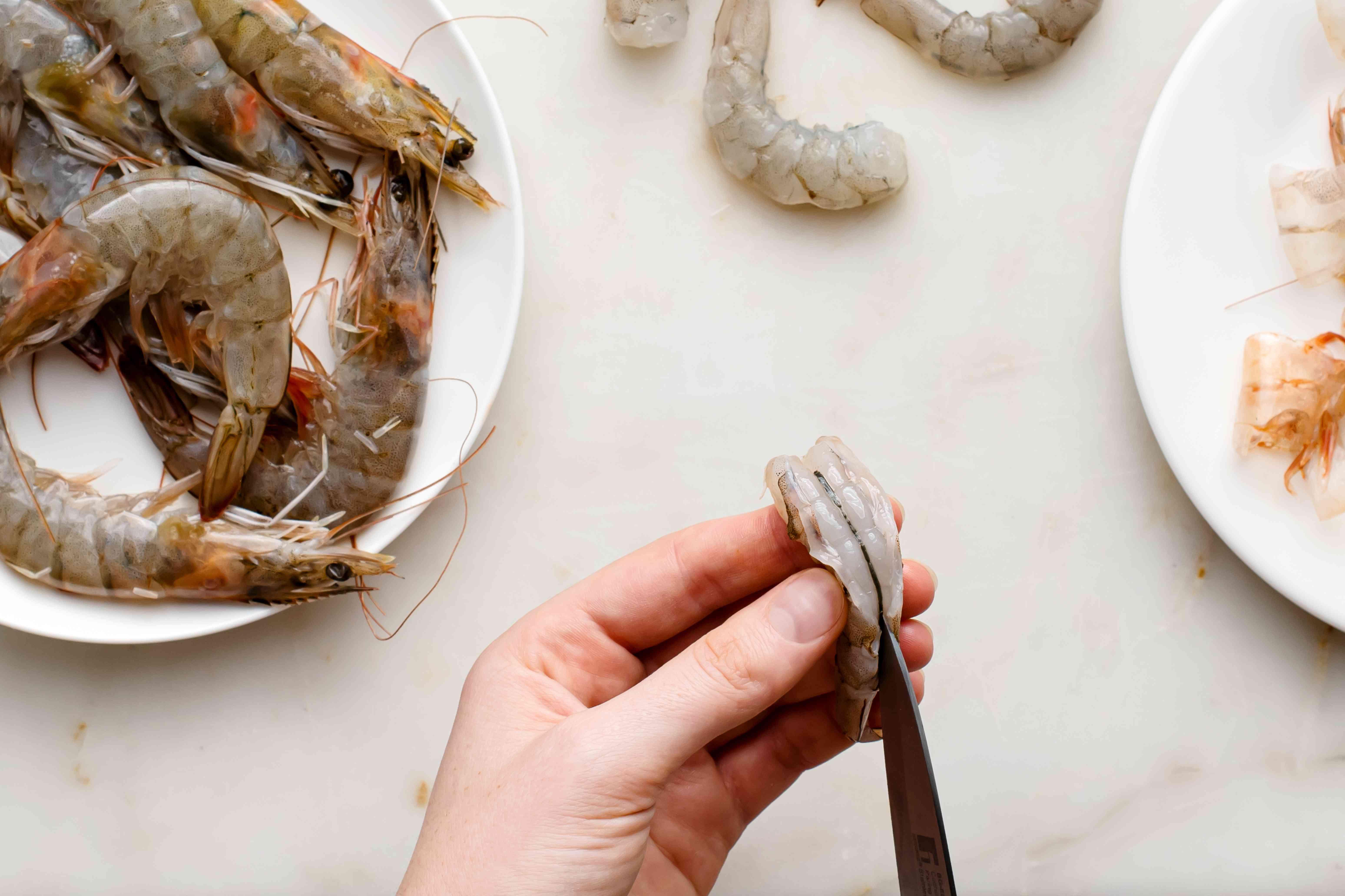 clean raw shrimp