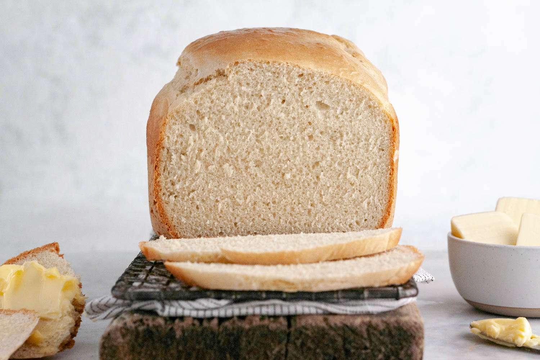 Bread machine country white bread, sliced