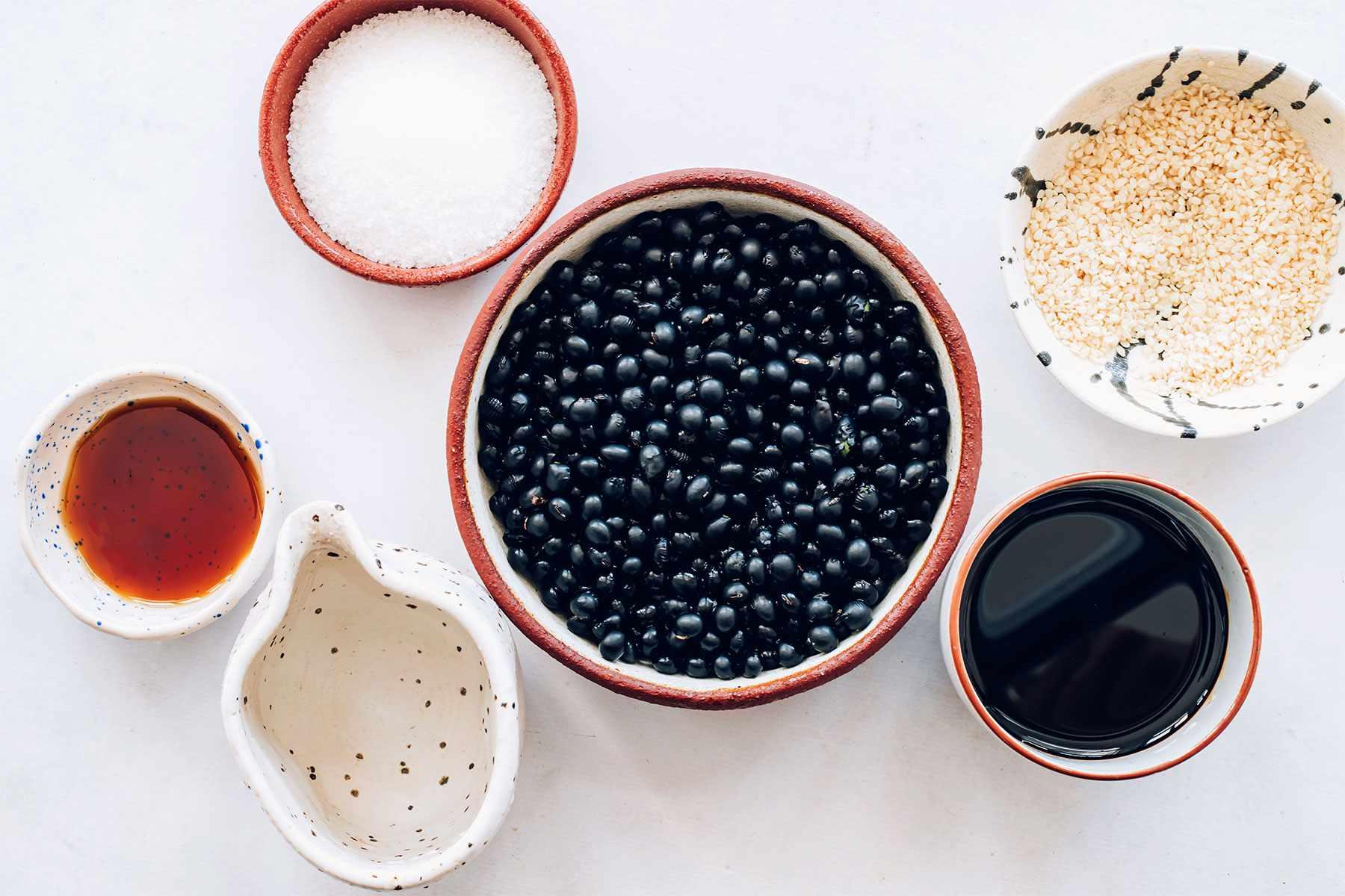 Korean Sweet Black Beans (Kongjaban) ingredients