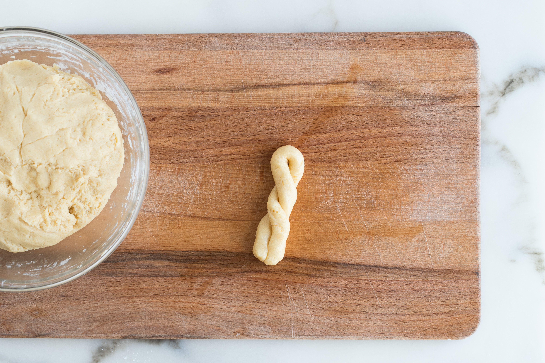 Greek Butter Cookies With Sesame (Koulourakia) Recipe