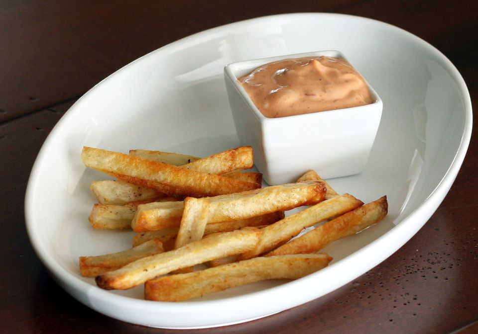 oven fries, baked fries with dip