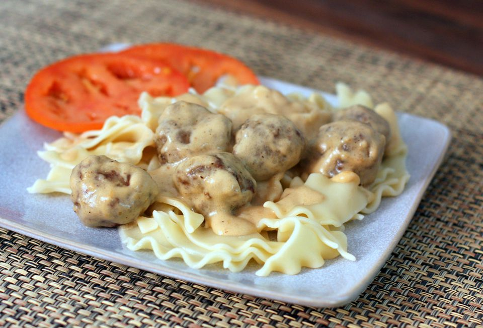 Meatballs with sour cream