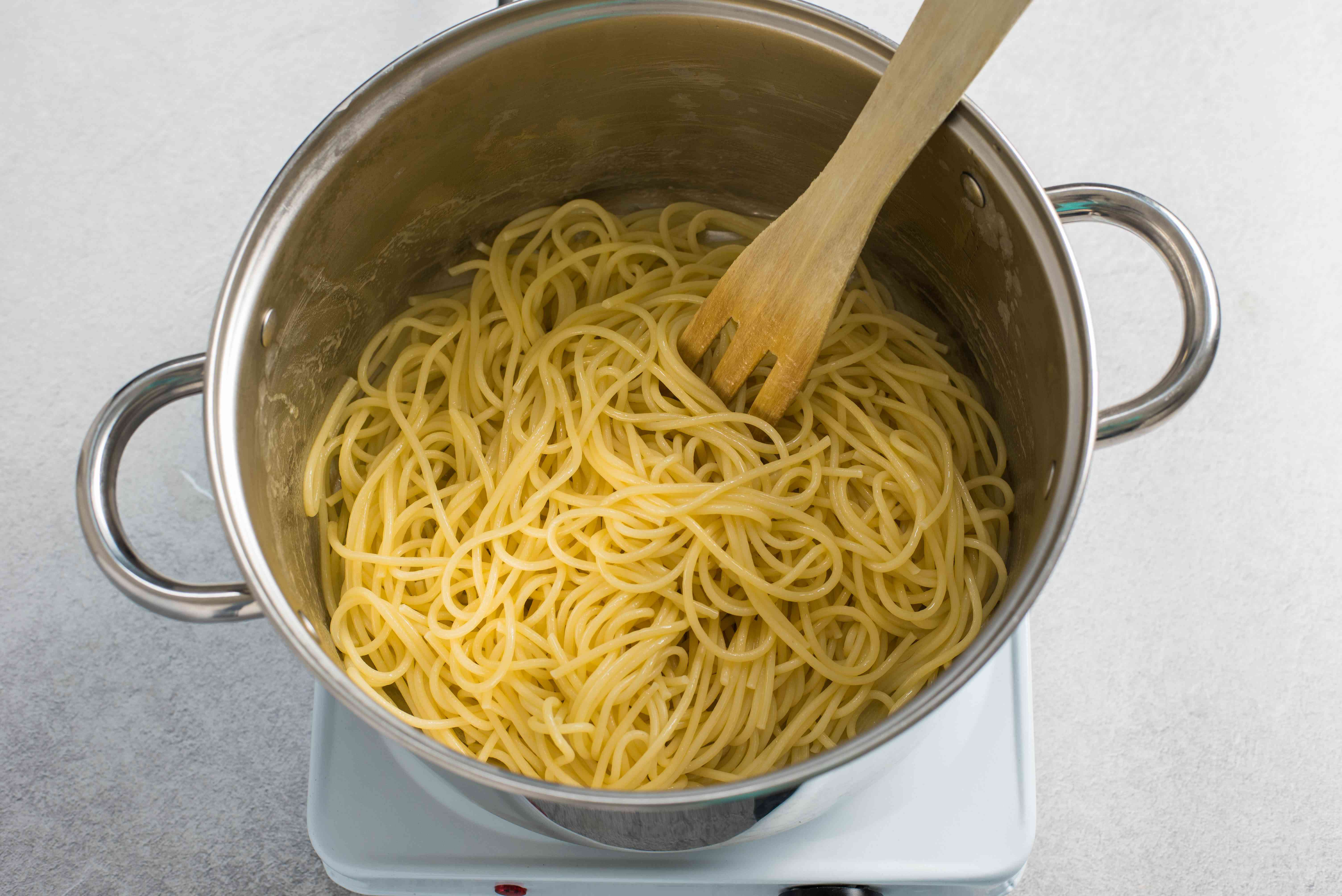 Spaghetti added to butter